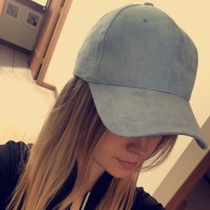 Baby blue suede Express hat!